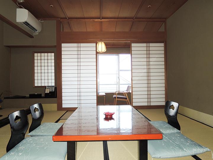 矢田屋松濤園のお部屋の様子1